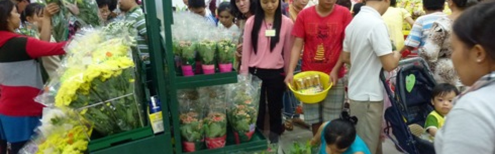 Dalat Hasfarm opened new booth at BigC Binh Duong