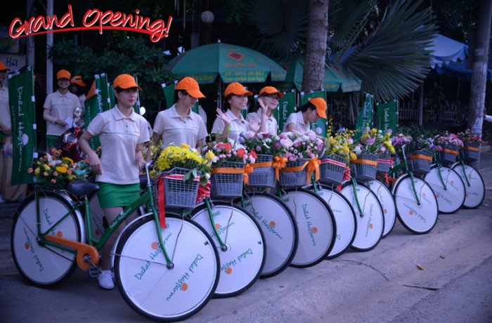 Press release - Dalat Hasfarm opens new flower shop in Bien Hoa City.